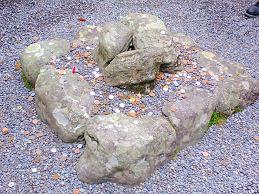 三つ石.jpg